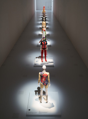 the-work-of-miyake-issey-exhibition-the-national-art-centre-tokyo_dezeen_936_1-e1459172934923
